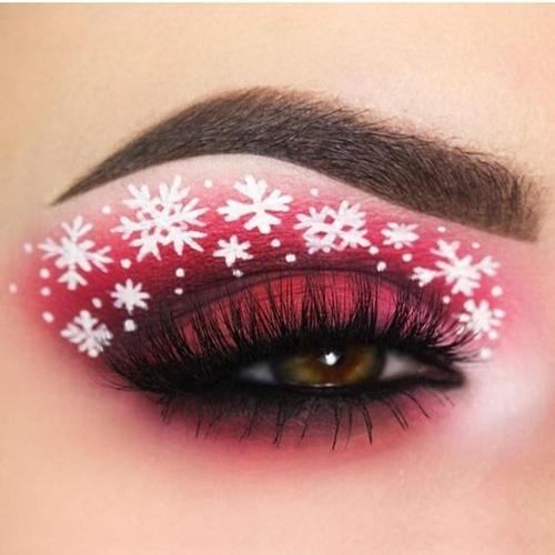 แต่งหน้าวันคริสต์มาสกับดวงตาที่สวยเด่น