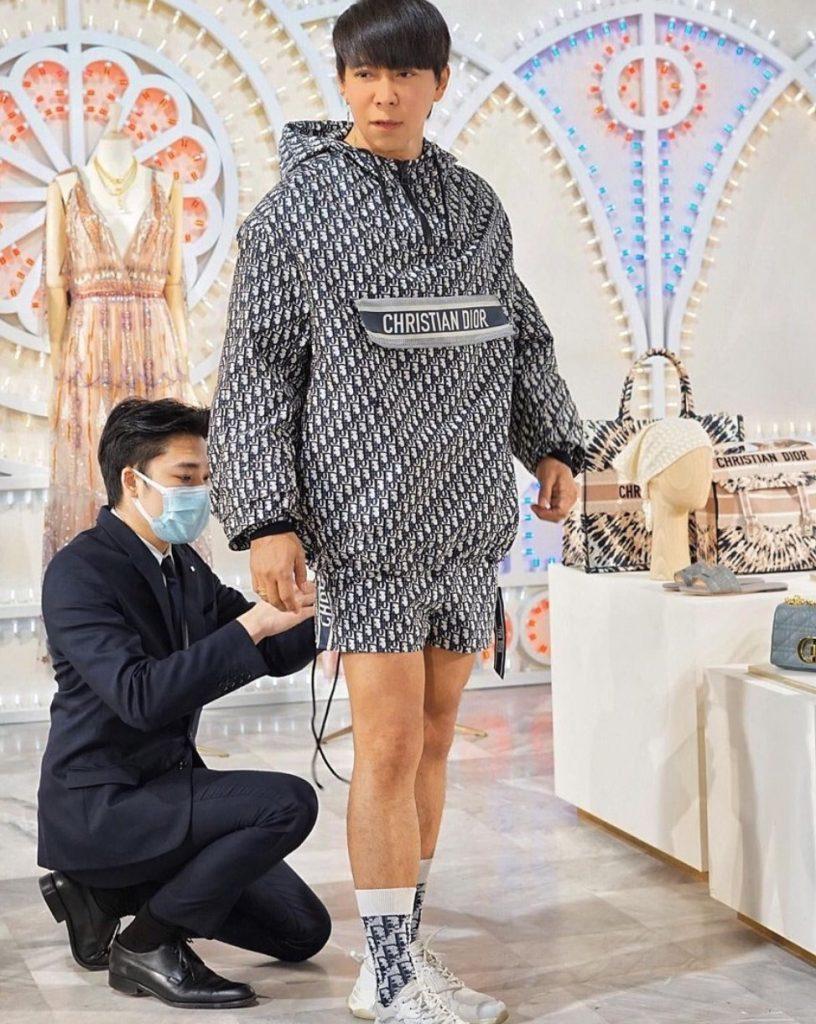 แฟชั่นหน้าหนาว Dior 2020 แบบเซ็ทของผู้ชาย