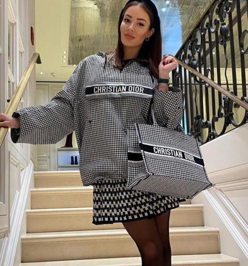 แฟชั่นหน้าหนาว Dior 2020 แบบเสื้อกันหนาวแฟชั่น