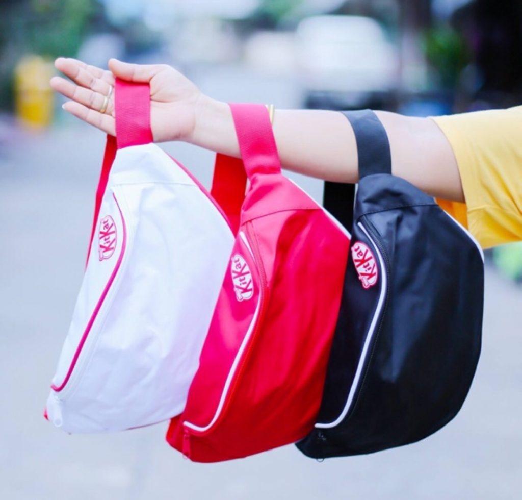 กระเป๋าคาดอก เทรนด์ แฟชั่นคิทแคท (KITKAT)