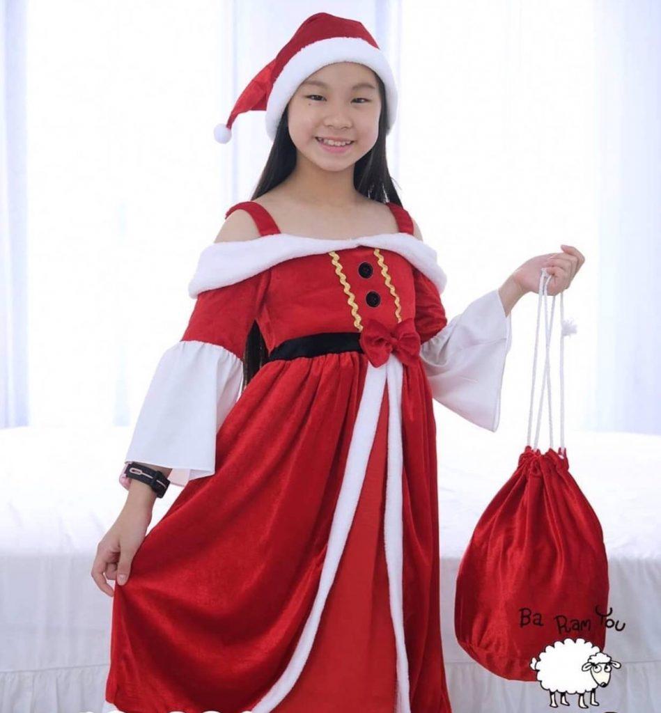 ชุดคริสต์มาสเด็ก ของเด็กสาว