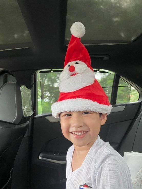 ชุดคริสต์มาสเด็กแบบใส่หมวกใบเดียวก็เก๋ได้