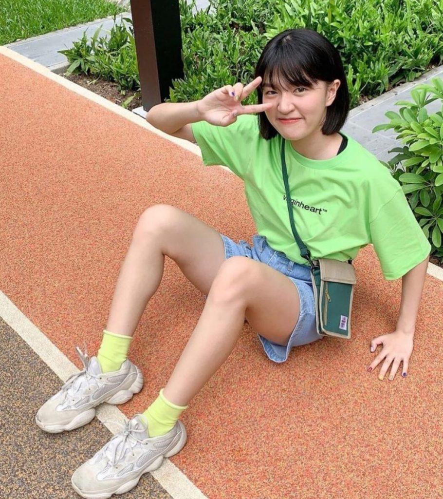 ถุงเท้าน่ารักๆ สีเขียวสดใส