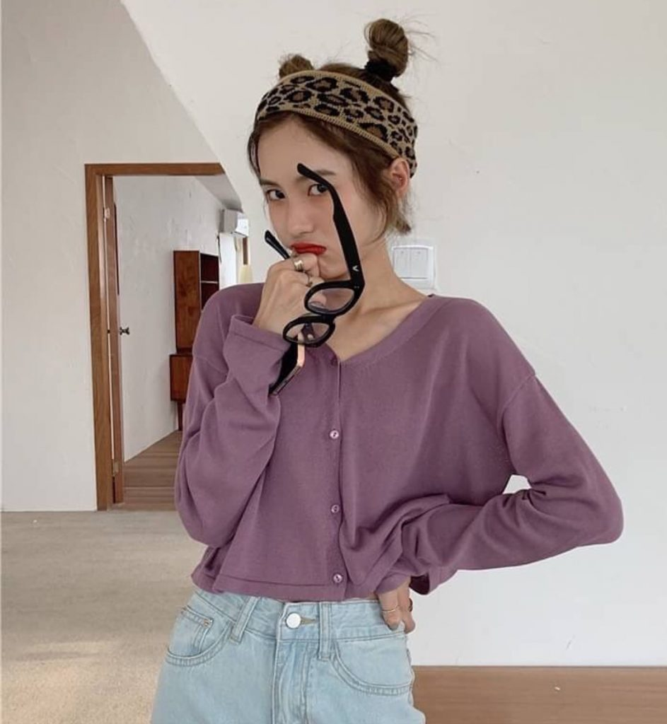 เสื้อกันหนาวสีม่วงแบบครอปน่ารักมากๆ