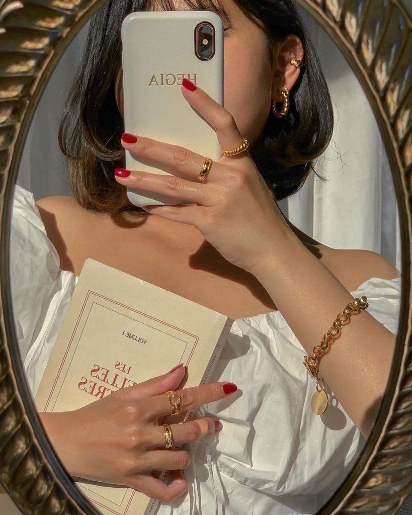 ไอเดีย ถ่ายรูปกับกระจก แบบไม่เห็นหน้า ได้รูปสวยไว้ลง FB
