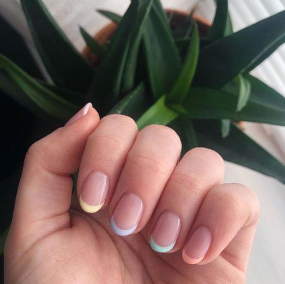 French Nails เล็บสั้นเล็บยาวก็ทำได้หมด