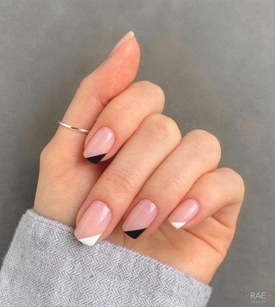 French Nails เพิ่มสีสันให้กับตัวเองได้ง่ายๆ