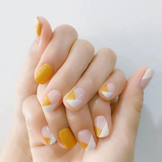 French Nailsได้เล็บสวยมีระดับ