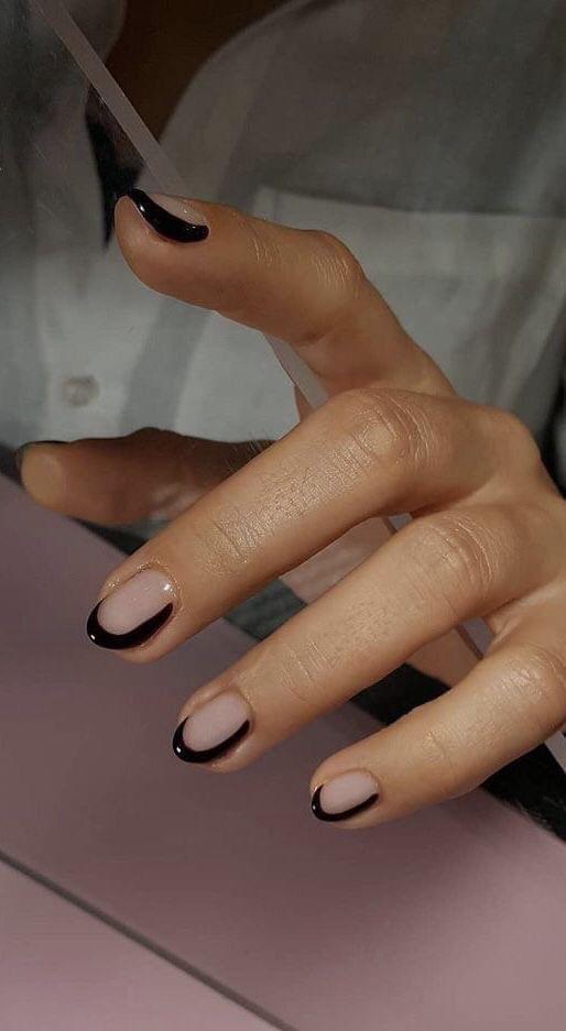 French Nailsเพิ่มความสวยงามให้เล็บได้ง่ายๆไม่ยุ่งยาก
