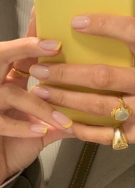 French Nailsสวยแบบเรียบๆ ใครก็ทำได้ไม่ยาก