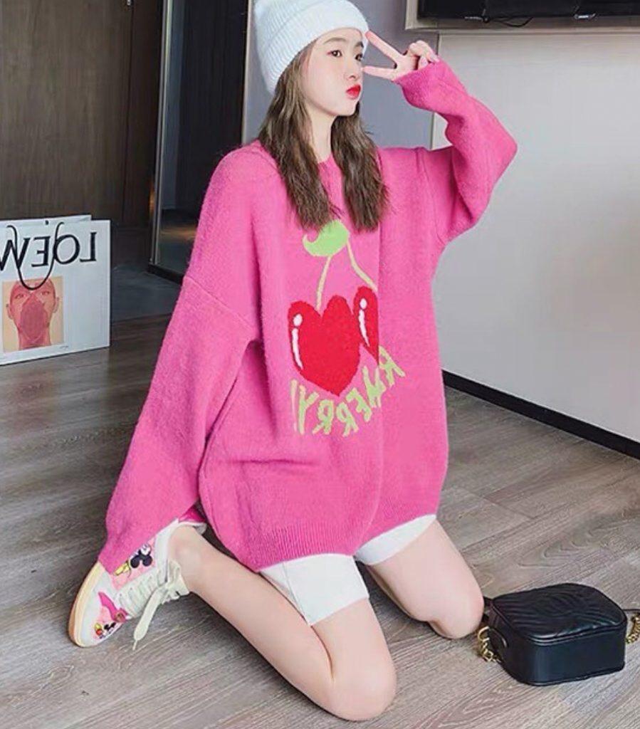เสื้อกันหนาวสีสดใสสีชมพูลายเชอร์รี่หัวใจ