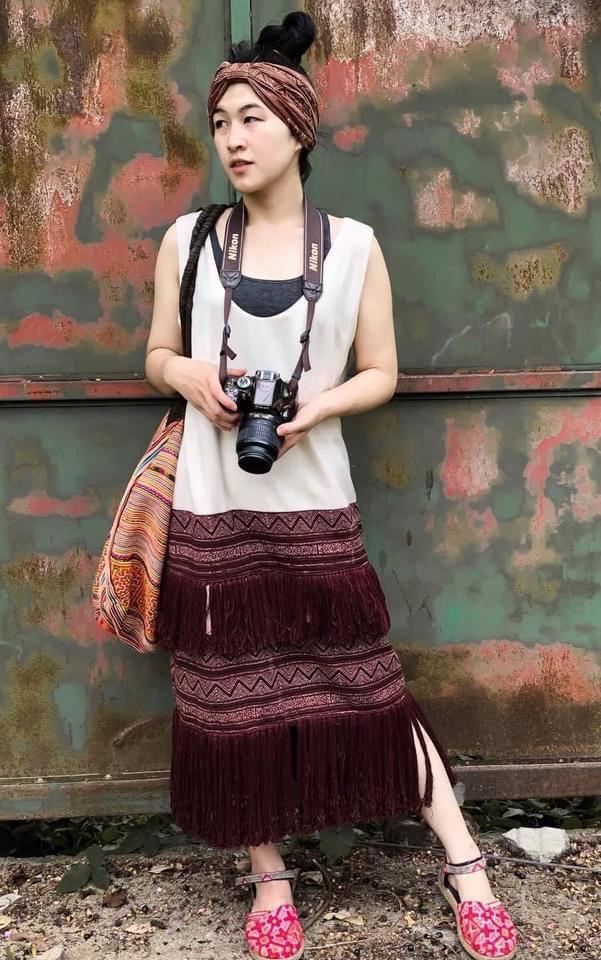 แต่งตัวเที่ยวเหนือด้วยชุดเดรสพื้นเมืองเป็นสาวสวยเท่สุดชิค