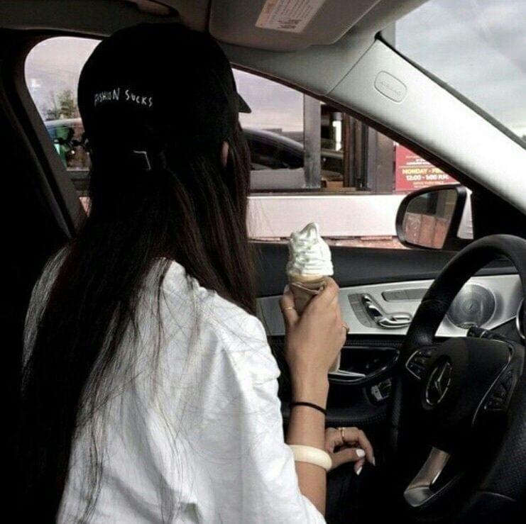 ถ่ายรูปในรถ
