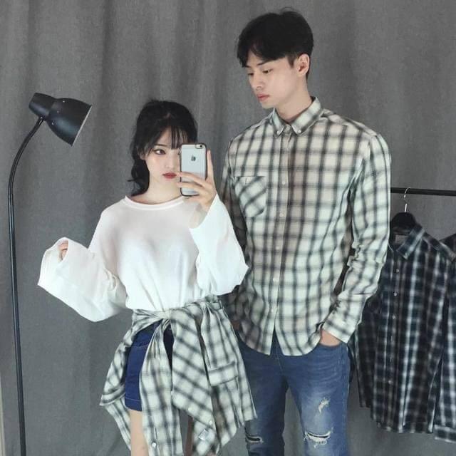 ชุดคู่กับแฟนกับการหยิบเสื้อแบบเดียวกันมาใส่