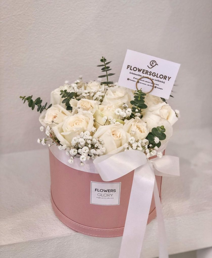 ช่อดอกไม้วาเลนไทน์พร้อมแหวนสุดเซอร์ไพรส์