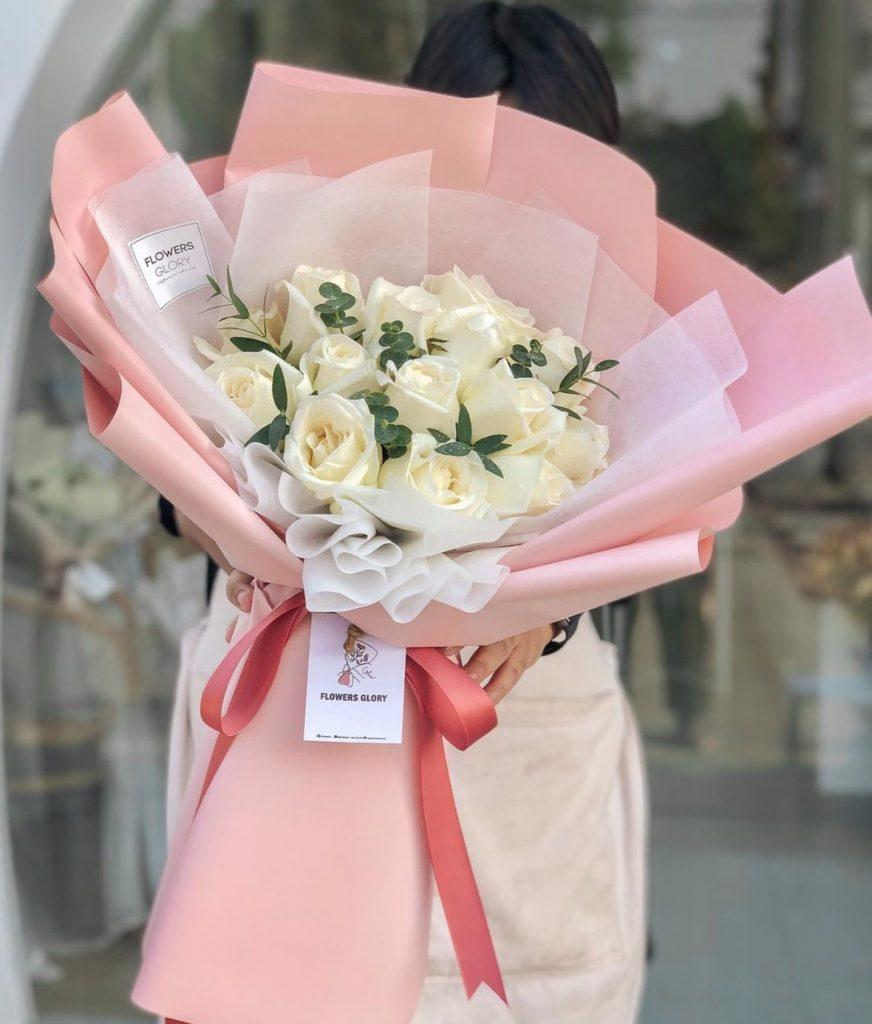 ช่อดอกไม้วาเลนไทน์สวยบริสุทธิ์