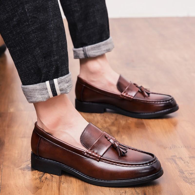 ประเภทของรองเท้า รองเท้าหนัง  บ่งบอกว่าคุณเป็นคนเนี๊ยบ