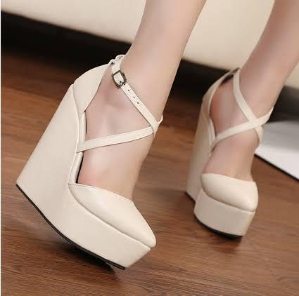 แฟชั่นรองเท้าส้นสูง แบบส้นเตารีด