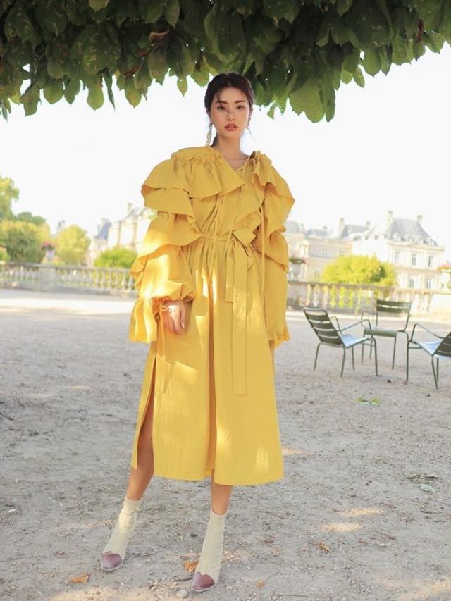 แฟชั่นสีเหลือง กับชุดยาว ใส่สวยนำเทรนด์