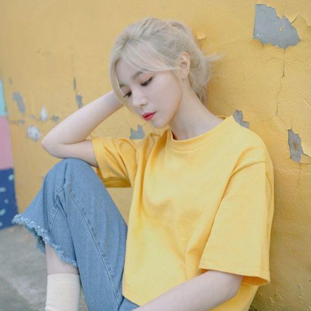 แฟชั่นสีเหลือง กับเสื้อยืด น่ารักๆ ง่ายๆ